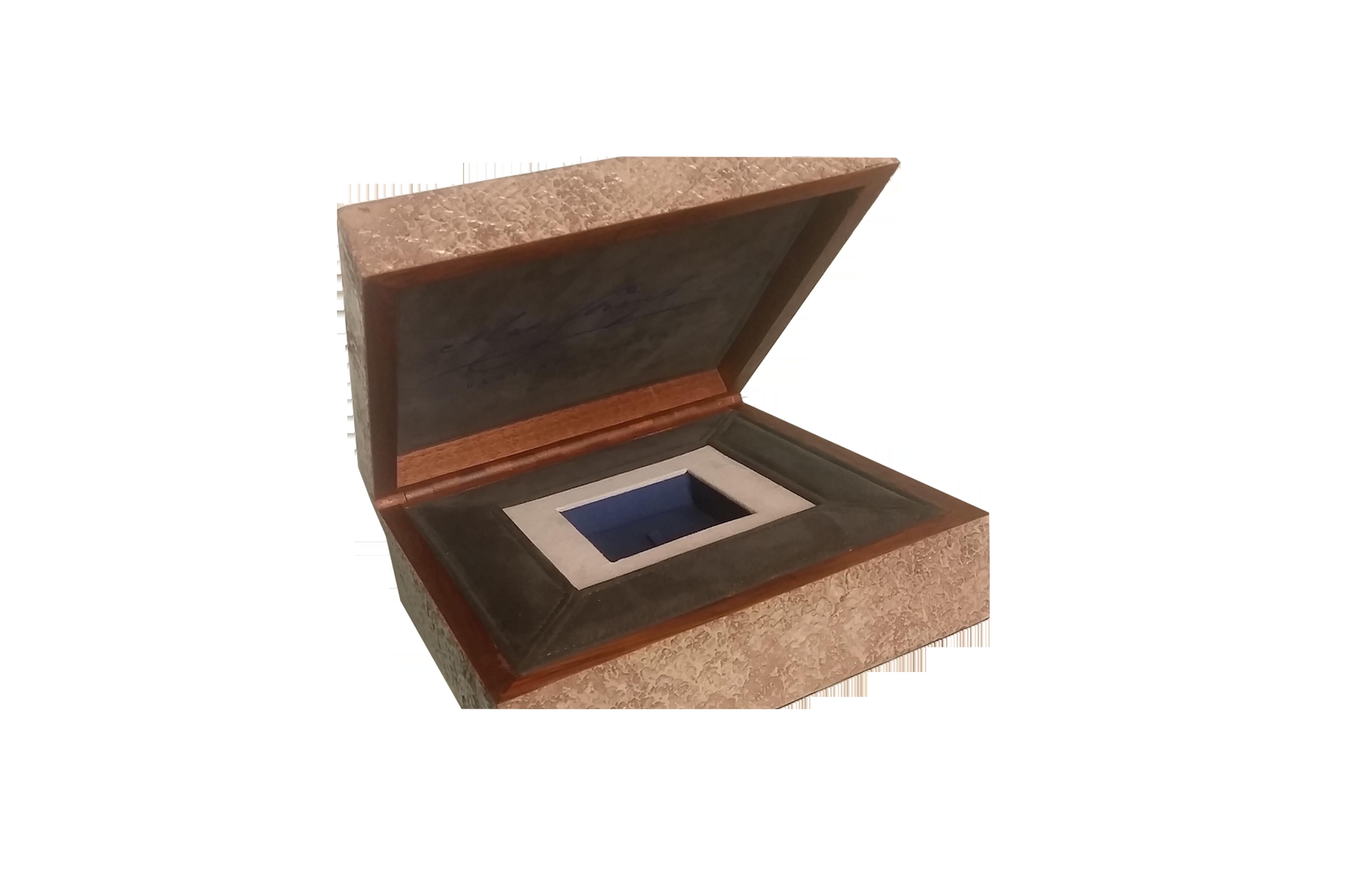Scatola personalizzata in legno e resina artistica