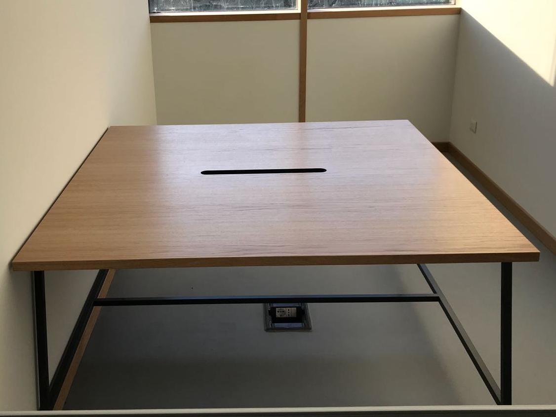 Tavolo da ufficio in Rovere naturale