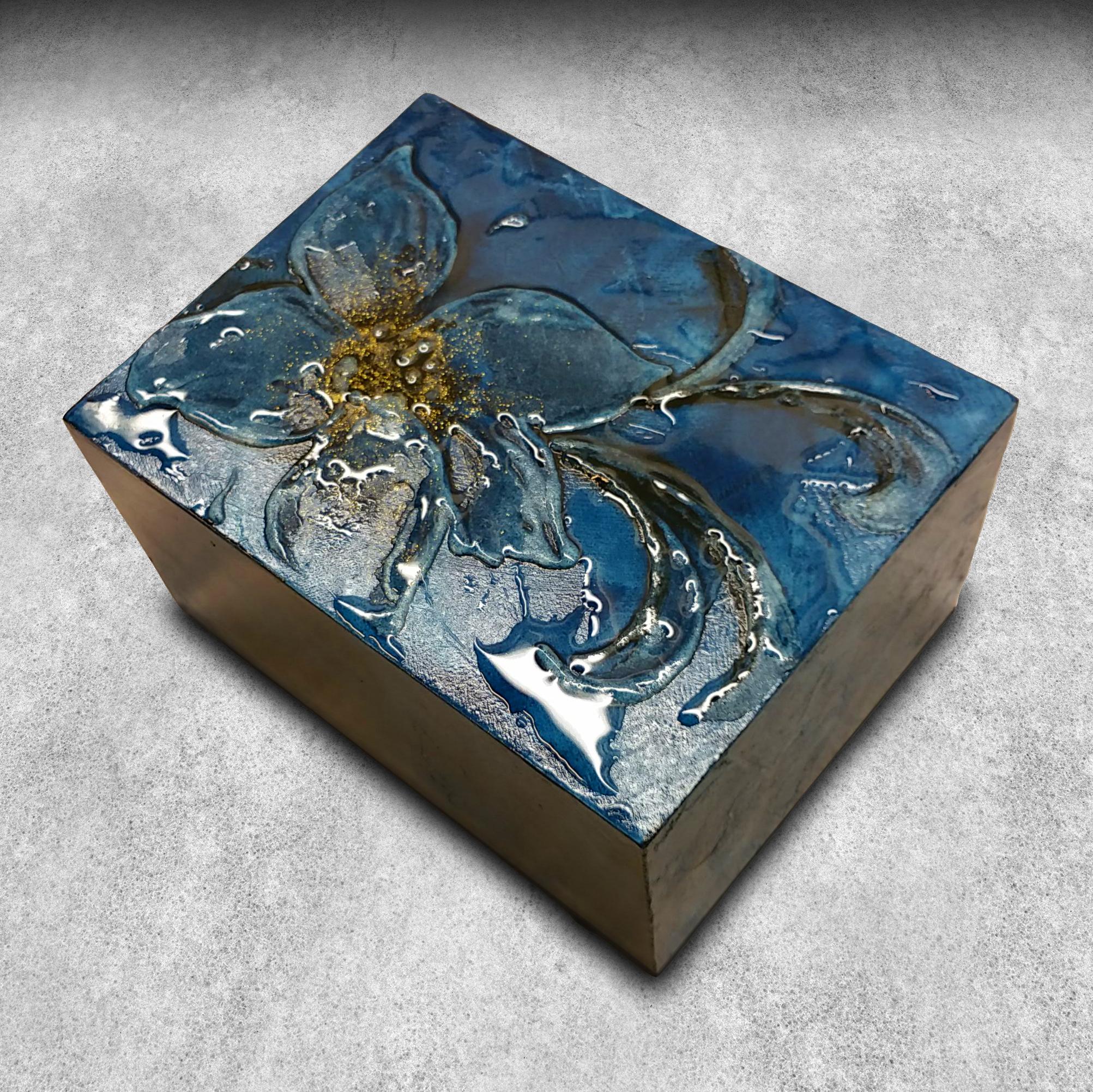Astuccio per Orologi e gioielli con finitura in resina con esclusivo effetto bagnato.